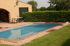 Вилла с бассейном в Fonteta